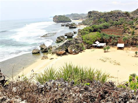 pantai   kawasan gunungkidul  panorama