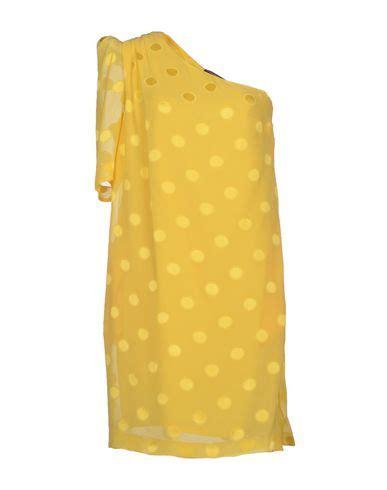 Nafara Dress gwen stefani cuddles up to demi at barely