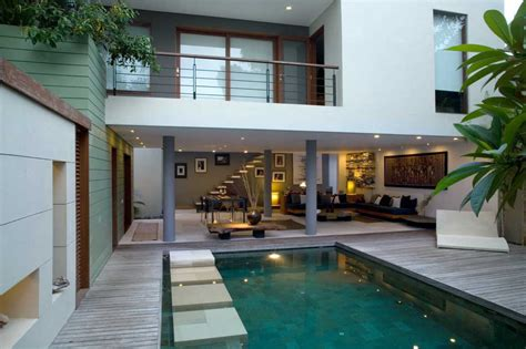Jual Rumah 2 desain rumah mewah 2 lantai dengan kolam renang minimalis