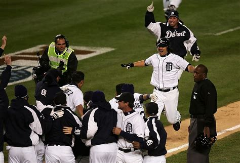 14 greatest walk home runs in mlb playoff history