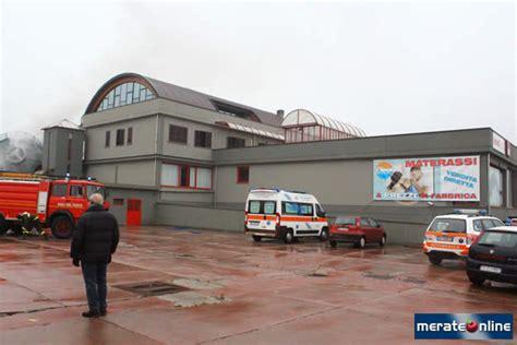 centro arredamento osnago osnago crolla un silos di segatura al centro dell