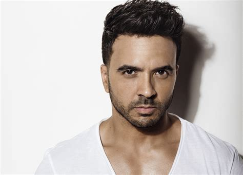 Luis Fonsi Pictures luis fonsi on his chartopper despacito nobody really