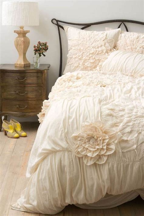 anthropologie beds 25 best ideas about anthropologie bedding on pinterest white bed covers duvet and
