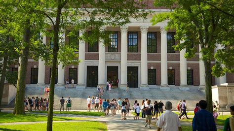 Harvard University in Boston, Massachusetts   Expedia.ca