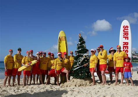 australians celebrate christmas at bondi beach zimbio