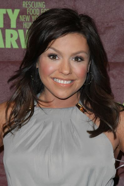 what color hair does rachael ray what is rachel ray new hair color hairstylegalleries com