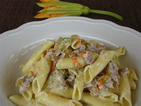 ricetta fiori di zucca pasta garganelli con fiori di zucca in cucina con zia lora
