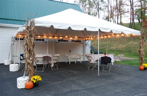 how many tables fit a 20x20 tent 20 x 20 canopy and tent layouts partysavvy tent