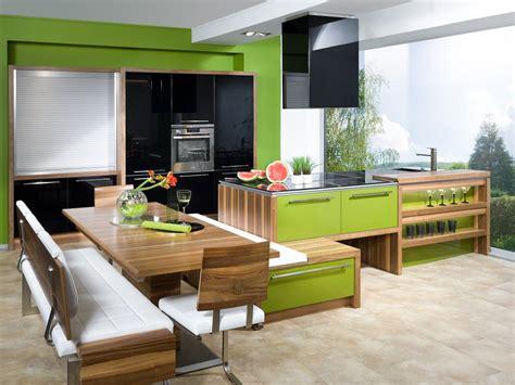 kochinsel mit tisch wohnzimmer grau weiss wandgestaltung