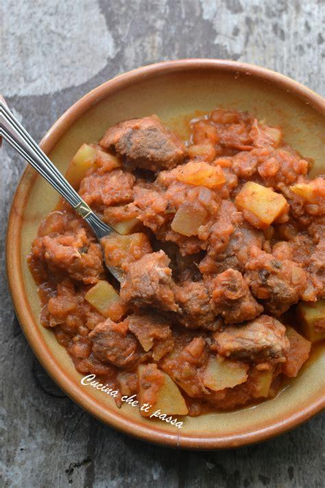 cucinare spezzatino con patate spezzatino con patate cucina ti passa