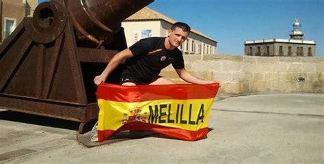 ngel rodrguez trasero agredido en una marat 243 n por correr con una bandera de