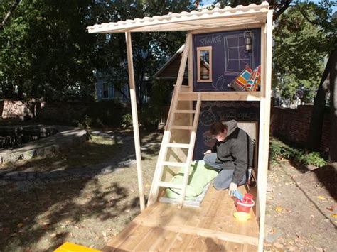 Build A Backyard Fort by How To Build A Wooden Swing Set With Fort Woodworking