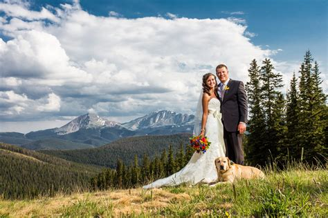 timber ridge wedding photography with dogs timber ridge wedding photos keystone colorado