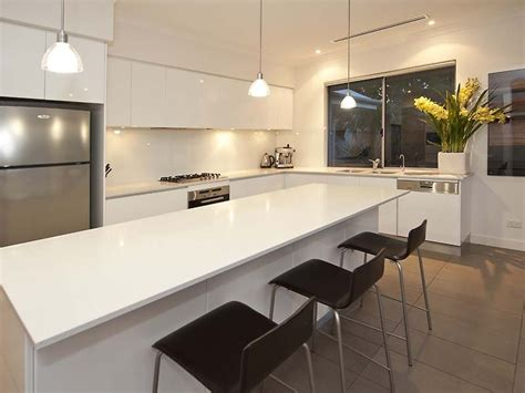 modern l shaped kitchen design using laminate kitchen