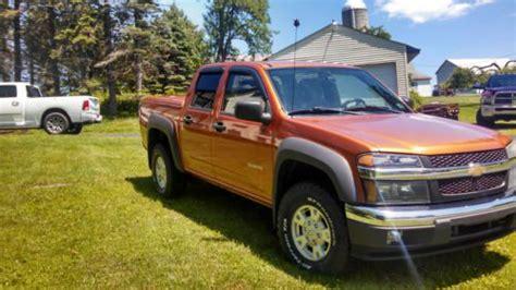buy   chevrolet colorado  ls crew cab pickup