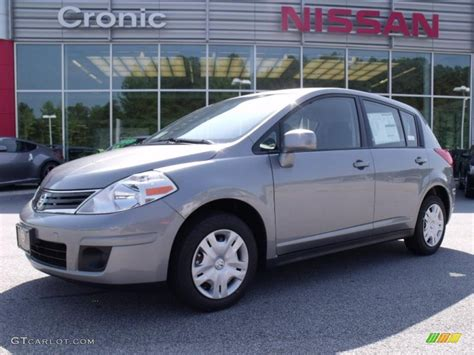 grey nissan versa hatchback 2011 magnetic gray metallic nissan versa 1 8 s hatchback