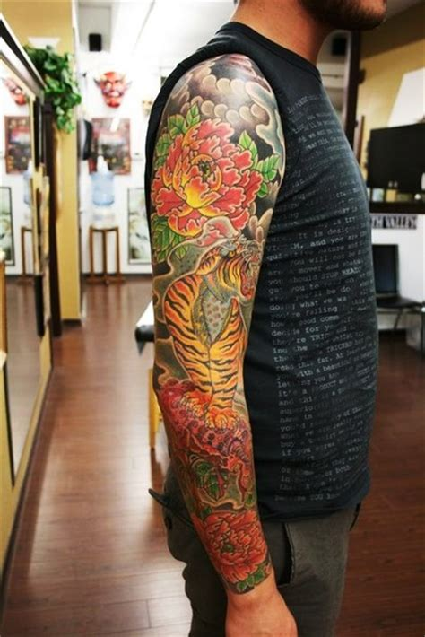 29 best japanese tiger sleeve flowers and growling tiger japanese sleeve