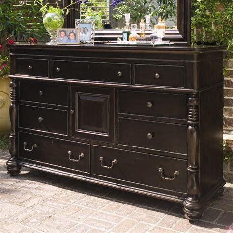 Paula Deen Furniture Dealers by Paula Deen By Universal Paula Deen Home Door Dresser With