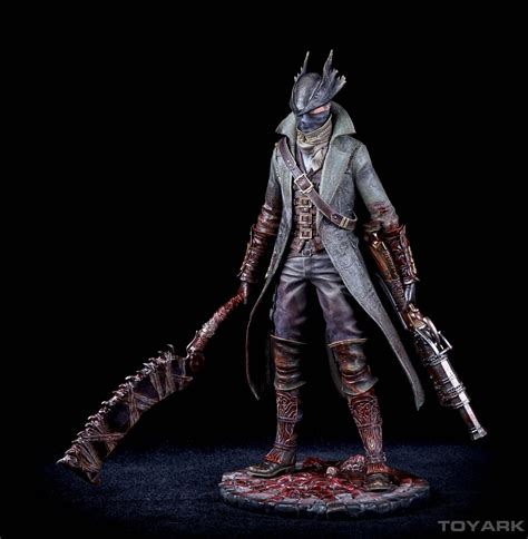 Awesome Outfit For Church #1: Bloodborne-Hunter-PoB-Statue-032.jpg
