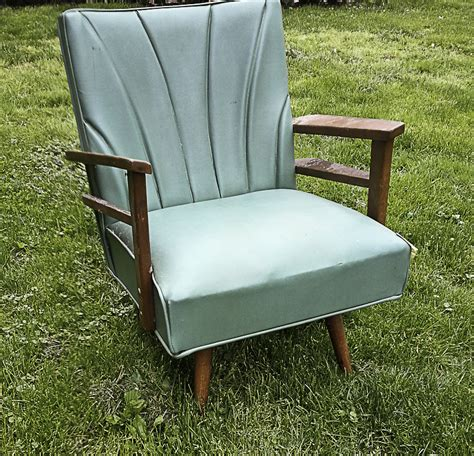 Hometalk Spray Painting A Vinyl Chair