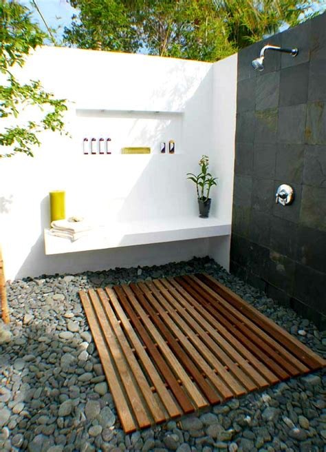 outdoor showering simple luxuries 10 killer outdoor showers