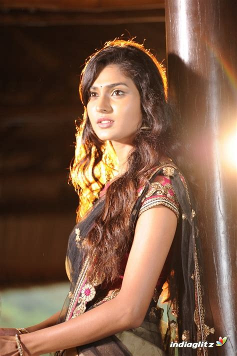 kannada film actress rajkumar new kannada movie actress related keywords new kannada