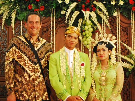 indonesian wedding indonesian wedding traditional ceremony dress the travel