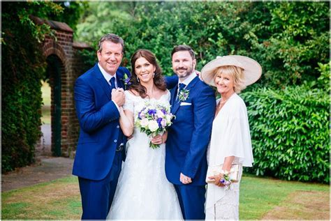 A wedding photographer's top tips for easy group shots