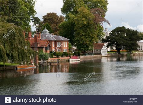 riverside homes beside the thames in marlow stock photo