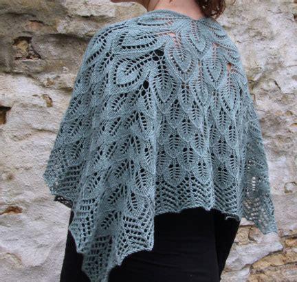 leaf pattern shawl knitting free free lace leaf stitch shawl knitting patterns