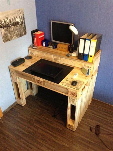 schreibtische aus paletten 19 ideen tisch aus holzpalette bauen heimwerkertricks net