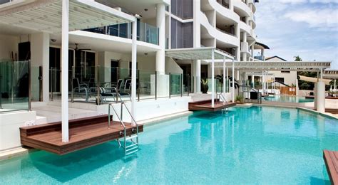holiday appartments cairns holiday apartments 1 2 3 bedroom apartments on