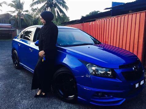 kereta bmw biru wanita ini sanggup berhabis duit makeup kereta mewah