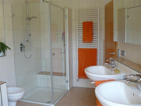 Badezimmer Design Fliesen 2262 by Dusche Mit Sitzbank Dusche Mit Beheizter Sitzbank Walk