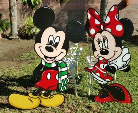 christmas mickey  minnie lawn signs christmas yard