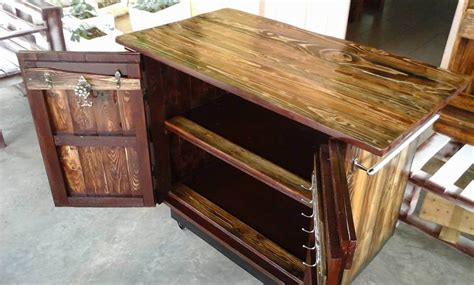 pallet kitchen island penmie bee
