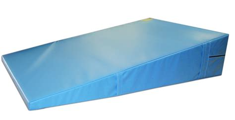 Ak Mats by Triangle Incline Mat For Rolls And Walkovers 48 Quot X 72 Quot X 16 Quot Ak Athletic Equipment