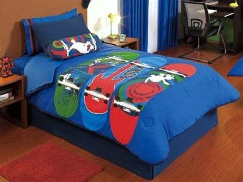skateboard bedroom 5 pc blue red skateboard teen boys full size