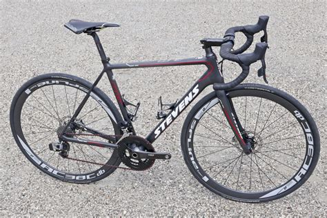 lightweight bike stevens debuts new volt tri redesigns lightweight comet
