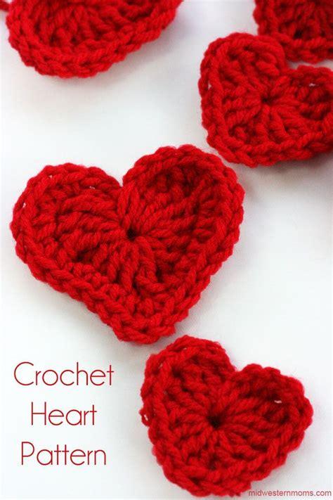 easy crochet heart pattern uk how to crochet a heart plus diy heart garland free