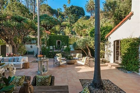 a houston buys robert pattinson s lavish mansion in