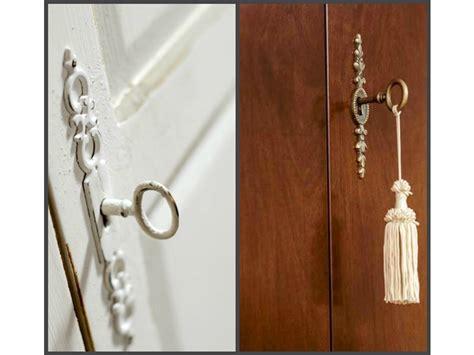 armadi particolari armadio in legno con particolari inserti decorati