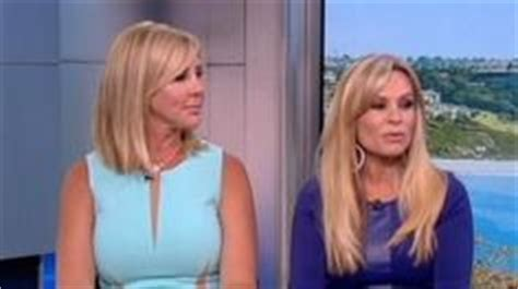who colors and styles vicki gunvalsos hair chelsea handler new haircuts and chelsea on pinterest