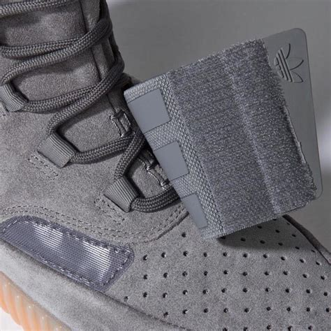Yeezy 750 Grey adidas yeezy 750 boost light grey gum sole collector