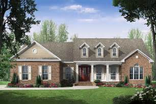 traditional style house plan 3 beds 2 5 baths 2000 sq ft