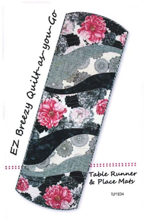 pattern for quilt as you go table runner placemat table runner pattern tiger lily press easy