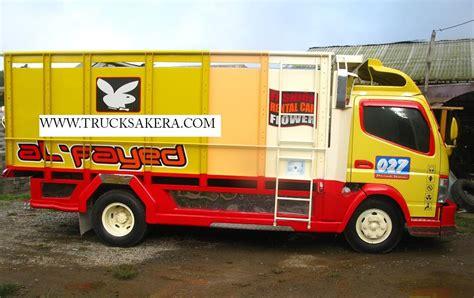 Tenda Anak Pasar Gembrong gambar mobil truk mainan