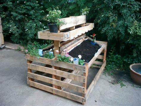 pallet vertical bed demonstration garden