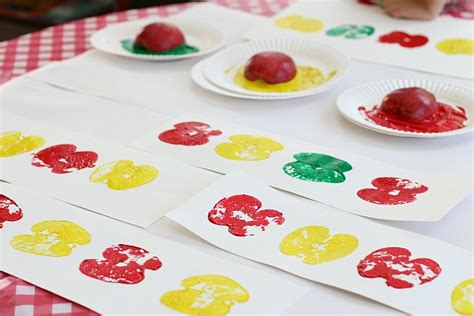 pattern craft activities math patterns using apple prints buggy and buddy