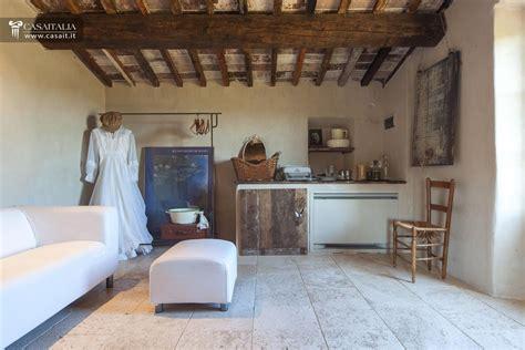 interni casali toscana val d orcia casale di lusso in vendita